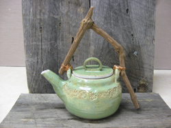 Grape Vine Handled Teapot